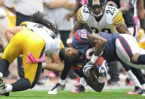 """Pittsburgh Steelers' Tony Polamalu hits player so hard he knocks helmet off"""